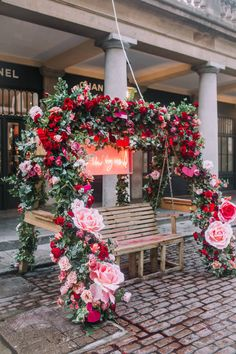 Early Hours London has been adding some floral love to iconic store, restaurants + locations across London using beautiful Valentines flowers. Design Salon, Flower Installation, Café Bar, Valentines Flowers, Floral Wall, Event Decor, Wedding Designs, Pink Roses, Floral Arrangements