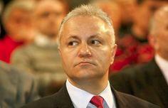 ГМО: Динкића врбовали да прогура ГМО - http://www.vaseljenska.com/vesti/gmo-dinkica-vrbovali-da-progura-gmo/