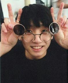Jungkook predebut so cute *0*