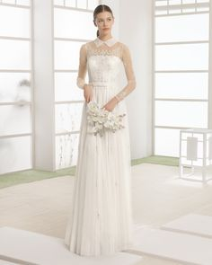 Tulle wedding gown with beaded embroidery. Rosa Clará Soft 2017 Collection.