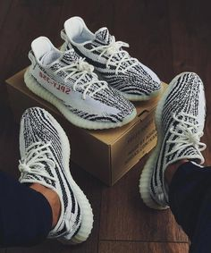 Adorable Sneakers Ideas For Men To Look Cool And Stylish - There are many different style options of shoes for men who like to live their domestic lives in rubber shoes. Men's ankle boots are available under v. Yeezy Sneakers, Sneakers Mode, Sneakers Fashion, Fashion Shoes, Men's Fashion, Shoes Sneakers, Shoes Men, Women's Shoes, Shoes Style