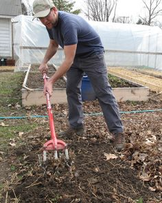 Joseph Swain prepares his raised beds with three traditional tools, no gasoline and limited elbow grease.