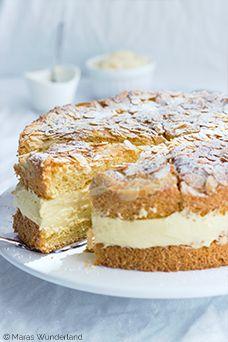 Ein ♥ für Klassiker: Bienenstich  Bee Sting Cake (recipe in English at bottom)