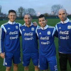 11/15/2014 - Selección Argentina  [GIRA POR INGLATERRA] Demichelis, Zabaleta, Agüero y Caballero fueron locales en la práctica de hoy.