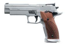 P226 L1, Adjustable SAO Trigger, Adjustable Target Sights, Ambi Safety, Magazine Well, Nill Wood Gri 226X5-40-L1