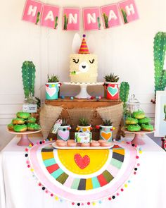Quinceanera Party Planning – 5 Secrets For Having The Best Mexican Birthday Party Craft Party, Birthday Party Decorations, First Birthday Parties, First Birthdays, Cadeau Baby Shower, Idee Baby Shower, Llama Birthday, Girl Birthday, Birthday Ideas
