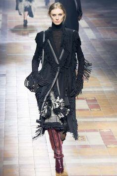 Lanvin 2015 Sonbahar Koleksiyonu - Paris moda haftasında ünlü Fransız markasının 2015 sonbahar ready to wear koleksiyonu...