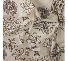 Košilovina krémová, hnědý vzor š.150