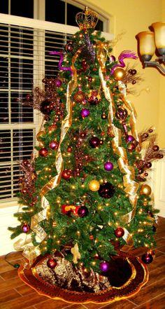 2013 Christmas tree www.loveitsomuch.com