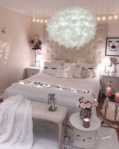 "3,050 curtidas, 45 comentários - Malamin (@homebyis) no Instagram: ""Sweet Dreams✨ ________________________________________ #bedroom #bedroominspo #sweetdreams…"""