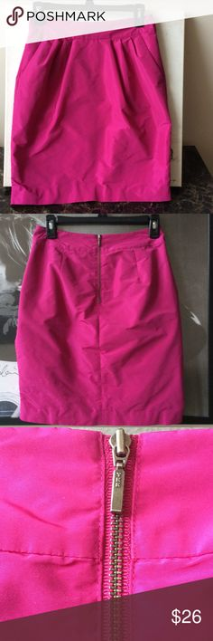 Gorgeous Banana Republic Skirt ✨ This skirt is simply stunning! Hot pink Banana Republic taffeta skirt. Pleated front with pockets. Exposed zipper in back. In Perfect condition! Length is 19 1/2 inches and waist measures approximately 25 inches. Banana Republic Skirts