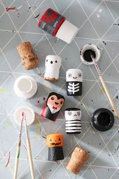 Home Crafts, Crafts For Kids, Arts And Crafts, Cork Art, Wine Cork Crafts, Wine Decor, Found Object Art, County Cork, Diy Toys