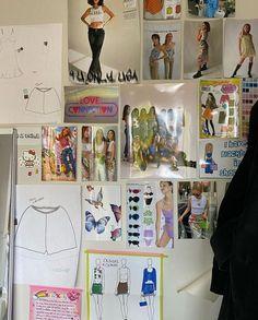 Bedroom Inspo, Bedroom Decor, Princess Kitty, Bedroom Wall Collage, Fashion Design Portfolio, College Room, Picture Albums, Aesthetic Bedroom, Teenage Dream