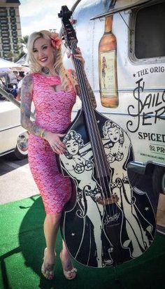 Rockabilly pinup model Sabina Kelley and an upright bass. Rockabilly Style, Rockabilly Music, Rockabilly Fashion, Rockabilly Girls, Rockabilly Clothing, Sabina Kelley, Guitar Girl, Gothabilly, Double Bass