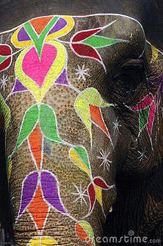 Painted Elephant And Jal Water Palace Stock Photo - Image of sagar, traditional: 25600640 Elephant India, African Elephant, Painted Indian Elephant, Painted Elephants, Save The Elephants, Baby Elephants, Elephant Baby, Elefante Hindu, Herbal Magic