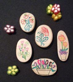"""Magnet ou Déco Art de la table :  Série de galets """"Mes petits bouquets"""""""