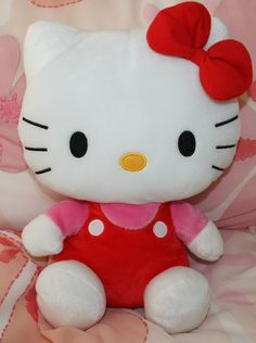 Hello Kitty Plushie - would appreciate this as a gift My Lil Pony, Lalaloopsy, All Things Cute, Jack Skellington, My Character, Little Sisters, Plushies, Hello Kitty, Kawaii