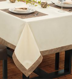 Show Krista – caramel base with blonde highlights Dining Table Cloth, Dinning Table, Table Linens, Restaurant Table Setting, Restaurant Tables, Red Tablecloth, Tablecloths, Table Centerpieces, Table Decorations