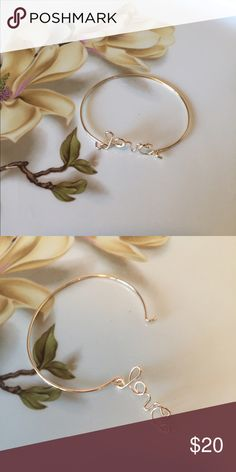 Love base metal color gold hook bracelet! Love base metal color gold hook bracelet! This is a perfect gift for someone you love, better yet, purchase one for yourself too! 💕 Farah Jewelry Jewelry Bracelets