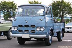 旧式商用車図鑑 Japanese Cars, Vintage Japanese, Datsun Car, Mercedes Benz Unimog, Odaiba, Small Trucks, Nissan Infiniti, Commercial Vehicle, Vintage Trucks