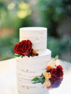 Simple Wedding Cake with Bright Fall Flowers | Kristin La Voie Photography | http://heyweddinglady.com/vintage-wedding-styling-autumn-garden/