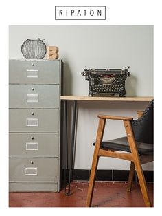 Pingle cheveux bureaux and jambes on pinterest for Meuble bureau jambes