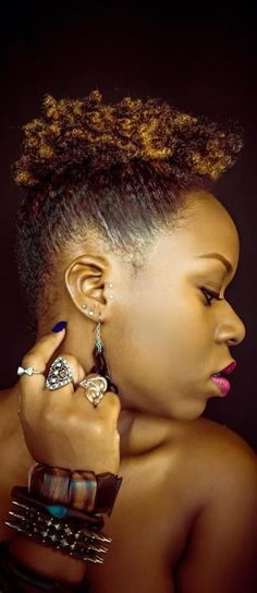 Love that high puff, and the accessories...Beautiful!