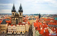 In #Prag gibt es viel zu sehen! Schlendert über die Karlsbrücke hinüber zur Prager Burg und genießt die schöne Aussicht. Ihr übernachtet im 4-Sterne Dorint #Hotel Prag Don Giovanni für nur 44€ zu zweit im DZ inkl. Frühstück!