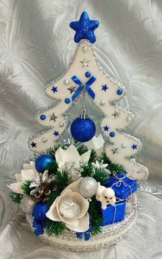 Wooden Christmas Crafts, Easy Christmas Ornaments, Blue Christmas, Xmas Crafts, Felt Christmas, Christmas Balls, Christmas Projects, Winter Christmas, Christmas Time