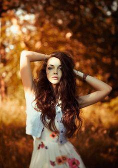 / Oksana by Karina Chernova Portrait Photography Poses, Portrait Poses, Female Portrait, Photo Poses, Autumn Photography, Photography Women, Creative Photography, Fall Portraits, Female Poses