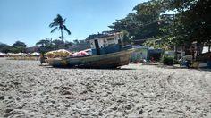 Barco abandonado em Itaipu/ Niteroi