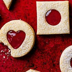 Want to make your own Jammy Dodgers? Try our posh Jammy DOdger recipe, an update on a favourite childhood biscuit for an impressive tea time biscuit snack Rhubarb Ginger Jam, Rhubarb Jam Recipes, Strawberry Recipes, Jammie Dodger Recipes, Chilli Jam, Bakewell Tart, Vanilla Paste, Rainbow Magic, Sugar Icing