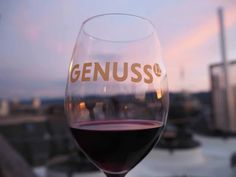 Genusshoch12 2017 at the Hotel Ambassador à L'Opéra At The Hotel, Food Festival, Wine Recipes, Wine Glass, Tableware, Sunsets, Switzerland, Festivals, Restaurants