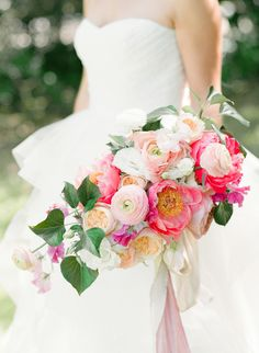 Wedding Bouquets : Picture Description Bright spring blush and fuchsia ranunculus and rose wedding bouquet: www. Mod Wedding, Trendy Wedding, Wedding Bride, Dream Wedding, Wedding Day, Tiki Wedding, Party Wedding, Wedding Trends, Wedding Blog