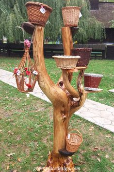 A closer look to the Folk Craftsmen Fair held in Timisoara, Romania Timisoara Romania, Indoor Outdoor, Outdoor Decor, Clay Pots, Wood Crafts, Craftsman, Closer, Garden Design, Baskets