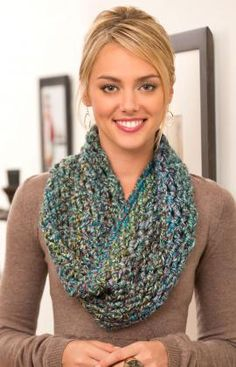 Twisted Cowl Free Crochet Pattern from Red Heart Yarns