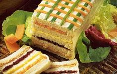 Resultado de imagem para receita de torta salgada de pão de forma para festa