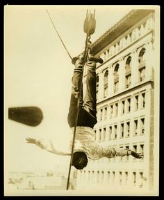 """¿Trasladarte al origen del ilusionismo sin moverte de #Madrid? El #Planfuger de la semana es la exposición """"Houdini.Las leyes del asombro"""" en Espacio Fundación Telefónica Madrid ¡Os dejará boquiabiertos! #Lefugu #Universofuger #Houdini #elartequellevaspuesto #ilusionismo #magia https://espacio.fundaciontelefonica.com/…/houdini-las-leyes…"""