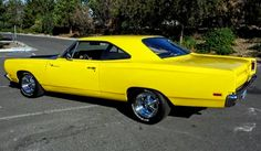 """The very popular Camrao A favorite for car collectors. The Muscle Car History Back in the and the American car manufacturers diversified their automobile lines with high performance vehicles which came to be known as """"Muscle Cars. Plymouth Muscle Cars, Road Runner, American Muscle Cars, Mellow Yellow, Chevrolet Camaro, Hot Cars, Mopar, Vintage Cars, Dream Cars"""