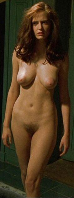 lady manja nackt