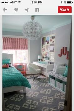 This can also be a dorm room look