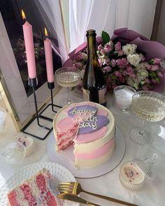 Happy Birthday Celebration, Birthday Party For Teens, 14th Birthday, Happy Birthday 19, Pretty Cakes, Cute Cakes, Torta Animal Print, Birthday Girl Pictures, Bday Girl