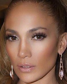 Jennifer Lopez lancia il suo make-up: JLOxInglot Natural Wedding Makeup, Wedding Hair And Makeup, Bridal Makeup, Natural Makeup, Maquillage Jlo, Maquillaje Glowy, Maquillaje Jennifer Lopez, Jennifer Lopez Makeup, Jenifer Lopes