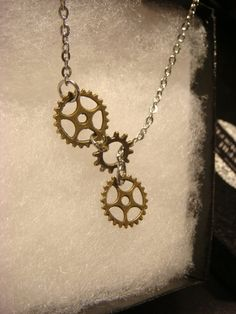 Steampunk Gear  and Cog Lariat Style Necklace by ClockworkAlley  #steampunknecklace #steampunkjewelry