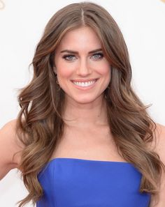 Allison Williams' Wavy Blowout