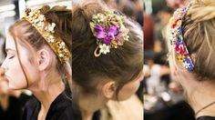 Accessori Capelli Donna  Nel 2017 le fascette per capelli saranno molto alla moda. Di tutte le forme, larghezze e colori. Ciò che importa è che piacciano a voi.