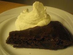 <3 Brownies, Desserts, Recipes, Food, Blogging, Cake Brownies, Tailgate Desserts, Deserts, Recipies