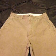 Men's Dockers Classic Fit Khakis Men's Dockers Classic Fit khakis. 32/30 One tiny pen mark- should come out with spot treatment. Dockers Pants Trousers