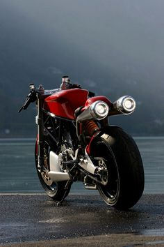 unique custom Ducati The tires are awesome. I like the red color on the bike too. What a machine for a nice street ride. Ducati 1000, Moto Ducati, Moto Guzzi, Ducati Motorcycles, Custom Motorcycles, Custom Bikes, Cars And Motorcycles, Concept Motorcycles, Vintage Motorcycles
