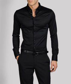 Men's fashion/men's shirt/black shirt/Armani, black on black on black. Mode Masculine, Sharp Dressed Man, Well Dressed Men, Traje Casual, Casual Wear, Mode Man, Moda Formal, Herren Outfit, Armani Men